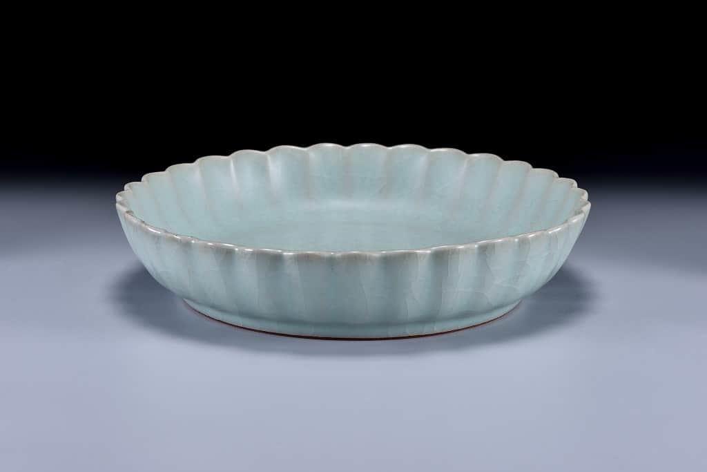 南宋菊花式盤