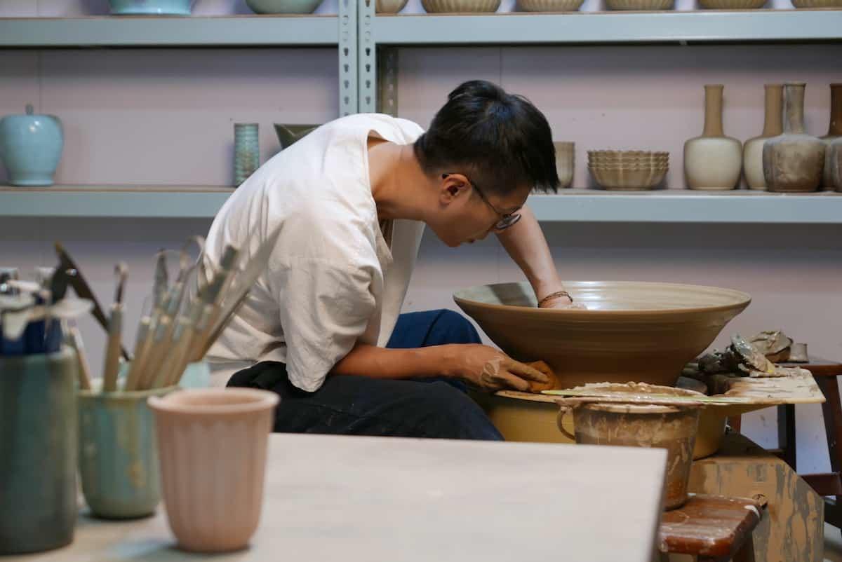 㚕磬青瓷冰裂陶藝創作