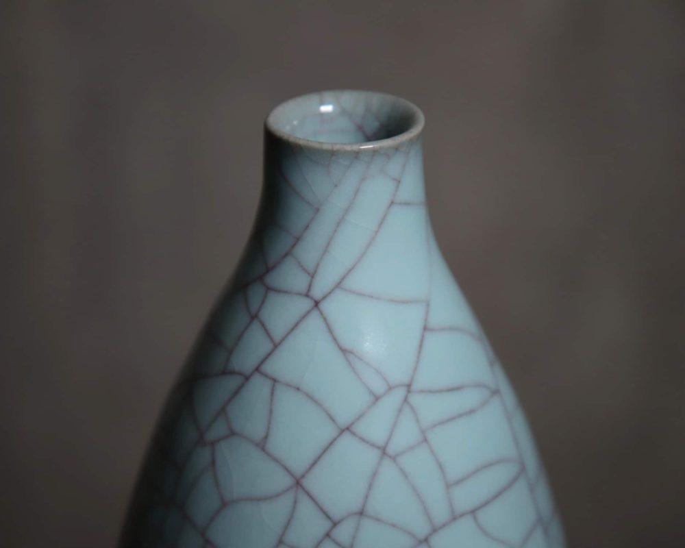 㚕磬窯_粉青鱔血紋橄欖瓶