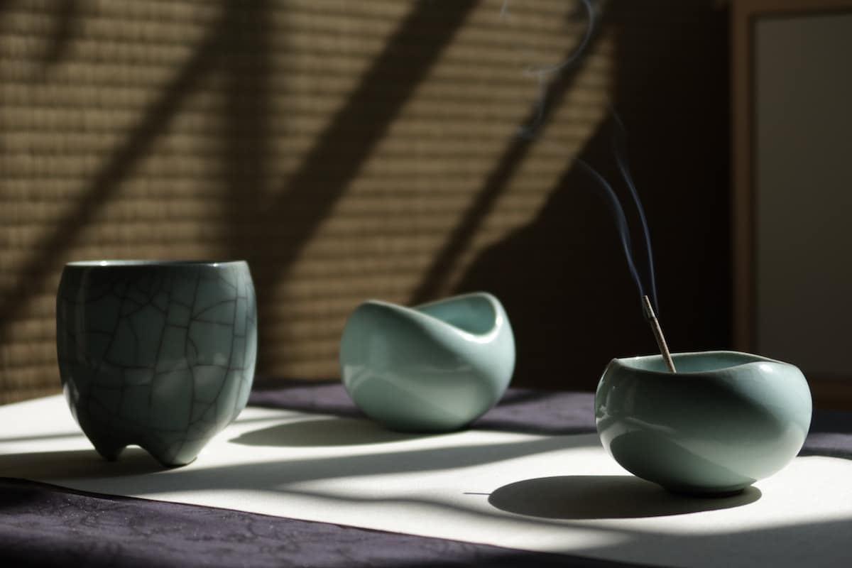 青瓷爐與杯_㚕磬窯
